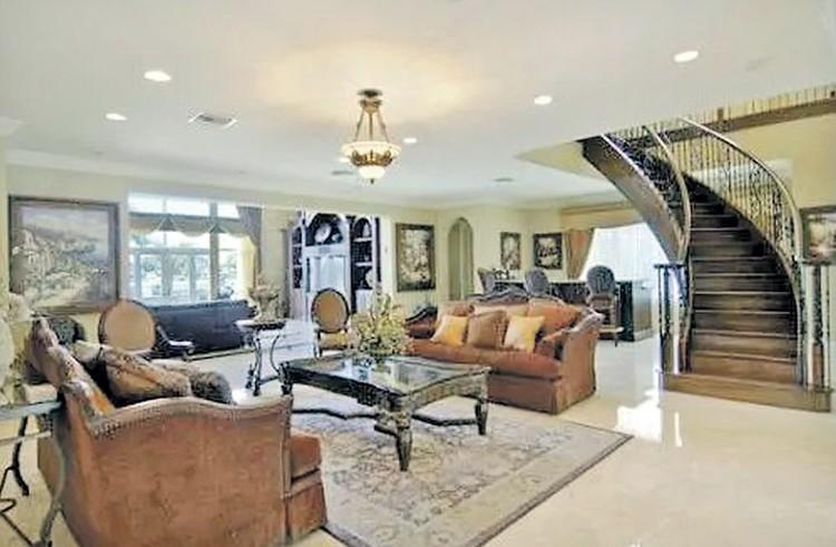 Сейчас стоимость особняка составляет чуть больше $5 млн. Фото: realtor.com