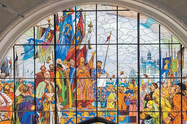 Также восстановили витраж на павильоне «Земледелие» («Украинская ССР»). Фото: Пресс-служба мэрии Москвы