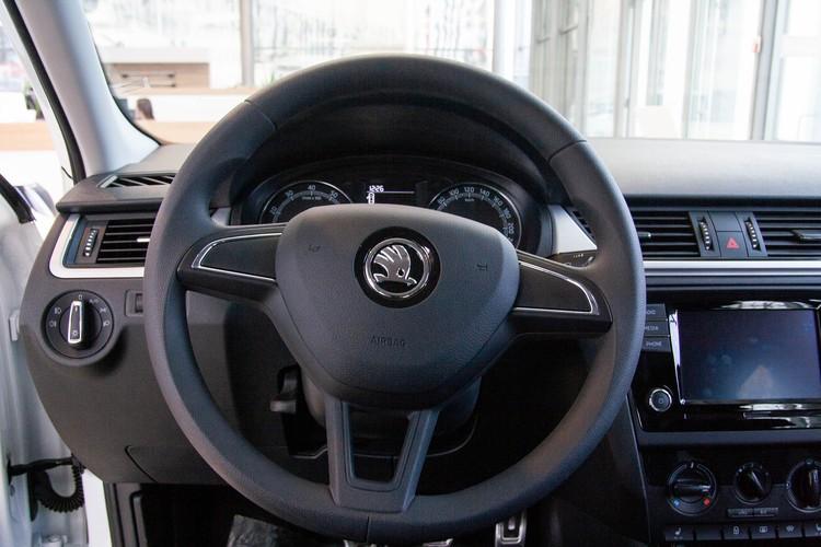 Шкода Рапид: «Первый автомобиль» и «Семейный автомобиль». Фото: «Волга-Раст-Октава».