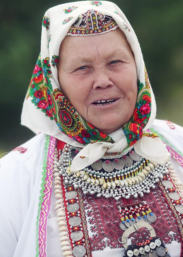 Жительница села Большой Китяк в национальном марийском костюме. Фото Егора Алеева/ТАСС