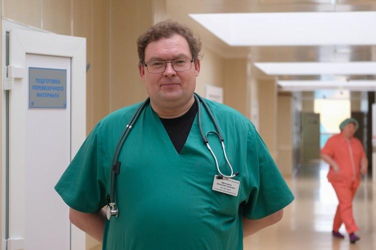Руководитель Клинического центра анестезиологии и реаниматологии института Вячеслав Афончиков