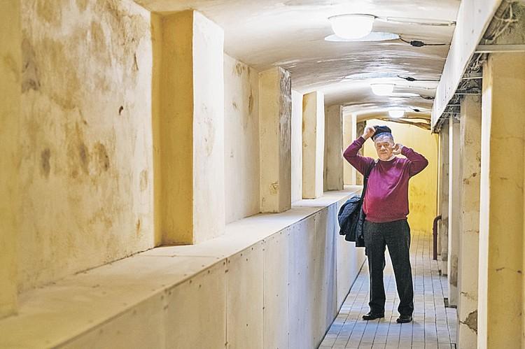 Журналист «Комсомолки» Александр Гамов лично измерил шагами «путинский» подземный ход в «Горках Ленинских»... Апрель, 2019 г.