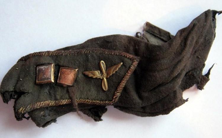 По словам поисковиков, вещи бойца хорошо сохранились, словно ждали, когда помогут найти хозяина. Фото: vk.com/neunivaki