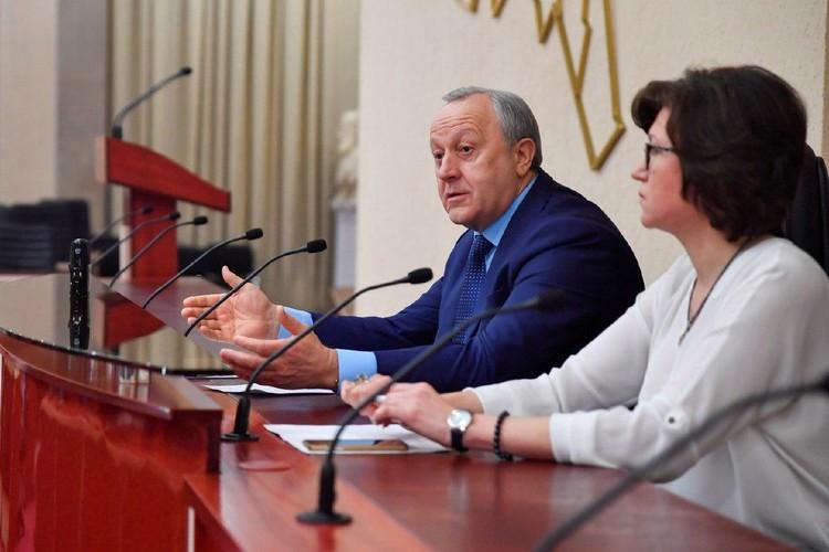 Валерий Радаев на брифинге 25 апреля заявил о переменах в структурах власти региона. Фото пресс-службы губернатора
