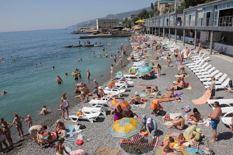Этим летом в Крыму будут работать 460 пляжей.