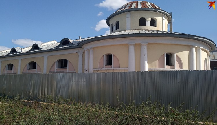 Полноценная реконструкция площади Ленина невозможна без возвращения к жизни Торговых рядов.