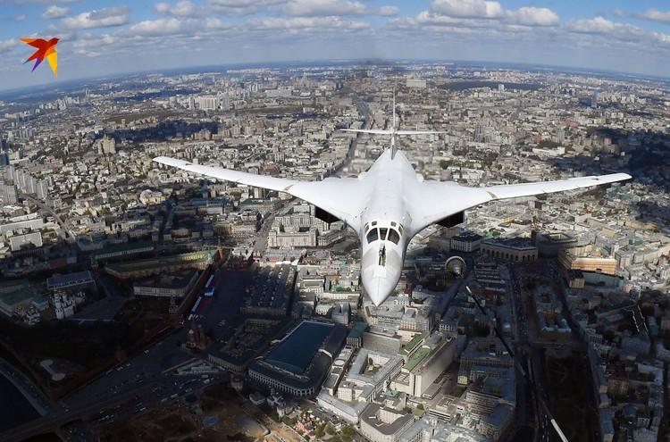 Ту-160, или, как его еще ласково называют, «белый лебедь»