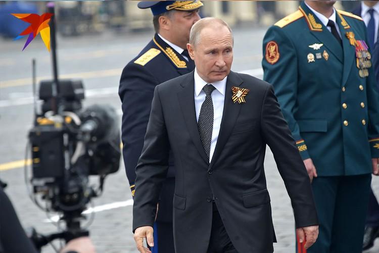 Президент Владимир Путин поздравил граждан России с Днем Победы