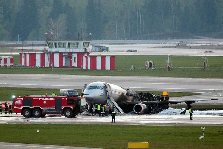 Пилот спас самолет от полного разрушения