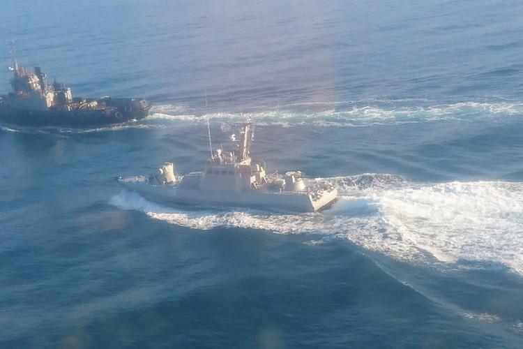По закону ВМСУ обязаны были оформить разрешение на проход через Керченский пролив. Фото: Погрануправление ФСБ России по Республике Крым