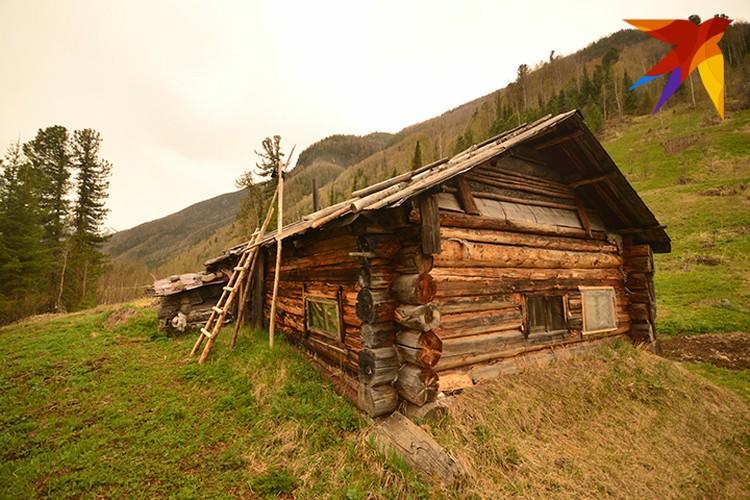 Домик, в котором живет послушник Георгий