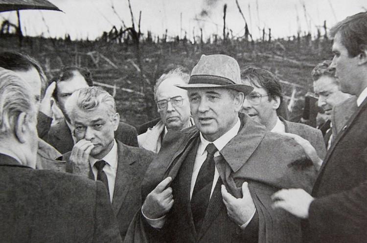 Михаил Горбачев на 1710-м километре Транссиба. Фото: архив Юрия Вишни.