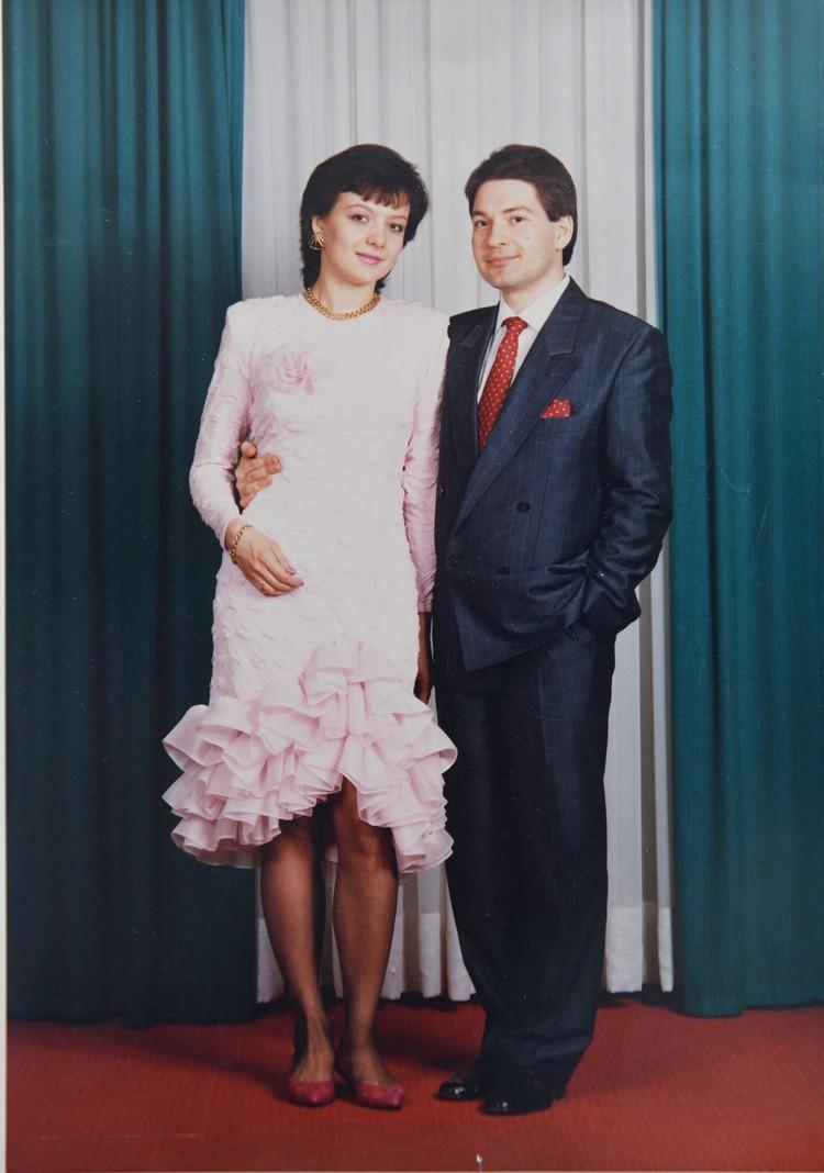 Елена и Андрей поженились второй раз уже за границей, под чужими именами. Фото: Личный архив