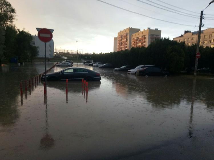 Район Казачьей бухты в Севастополе тоже затоплена. Фото: Автопартнер Крым / ВКонтакте