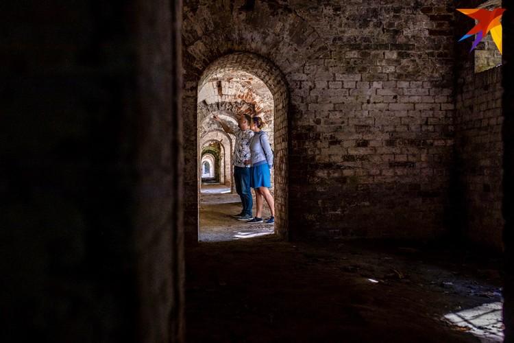 За пределами туристических маршрутов в Брестской крепости можно найти много интересного. Фото: Олег ПОЛИЩУК