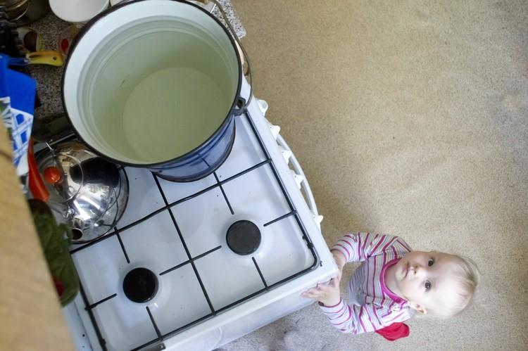 До начала испытаний температура горячей воды будет понижена до 40 градусов