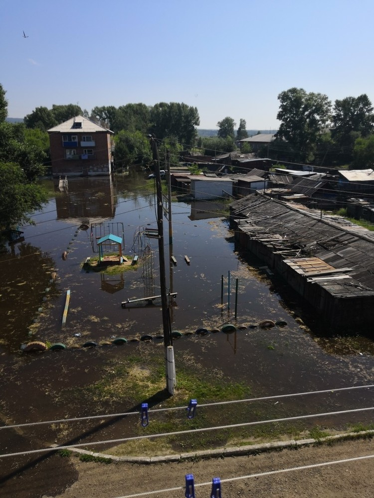 В Канск пришла большая вода. Фото: ЧП - Канск.