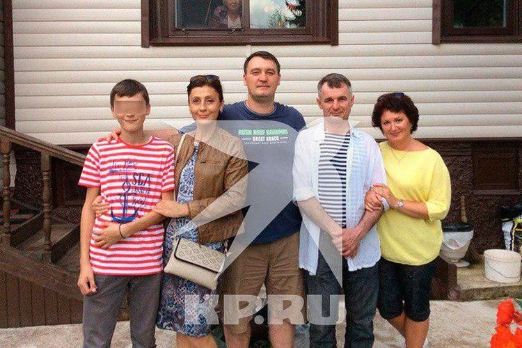 Денис Долонский был Героем России (в центре)