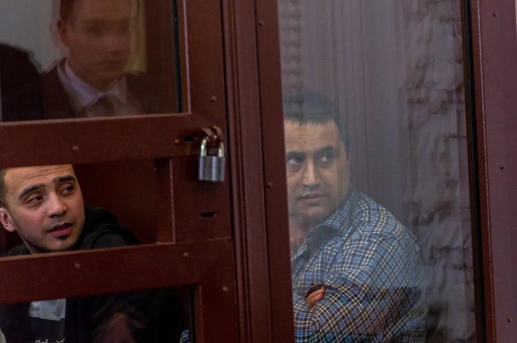 Хакимов (справа) уверяет, что не знал смертника