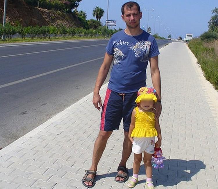 Марат Хайруллин был задержан сразу по возвращению в Уфу. Теперь своих дочерей он увидит не скоро