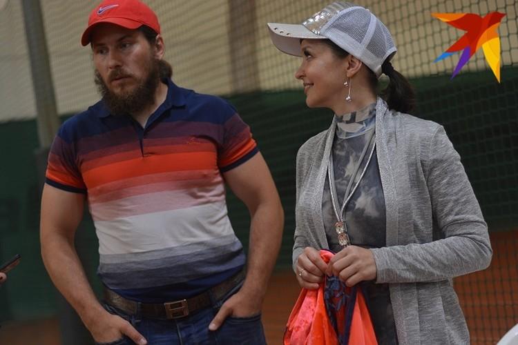 Юрий и Елена всегда сами тренируют дочь.