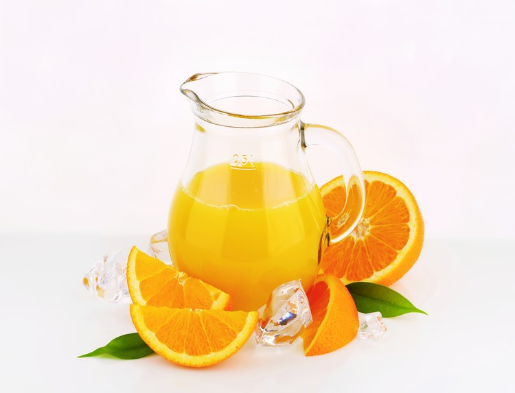 100-процентные натуральные фруктовые соки оказались вредны для здоровья ничуть не меньше газировок.
