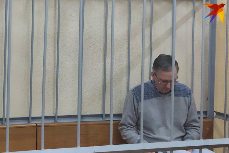 Гособвинитель предложил назначить Головачу 9 лет лишения свободы с конфискацией всего имущества и со штрафом в 1000 базовых величин.