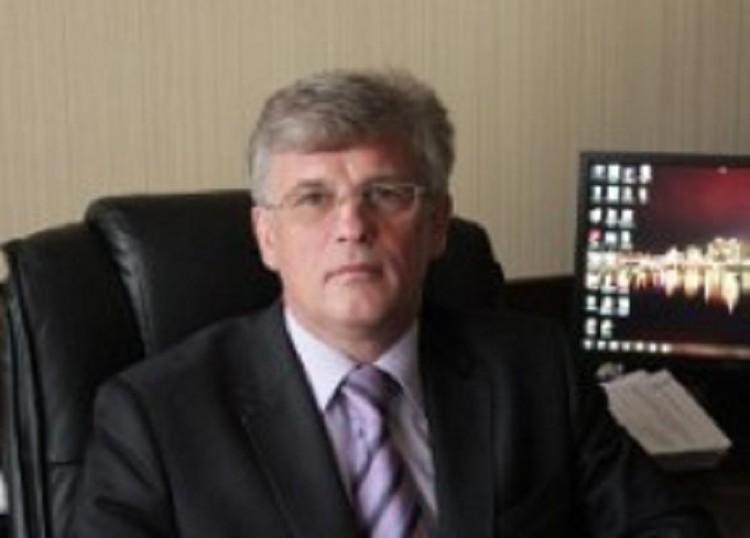 В числе обвиняемых - Олег Гужвинский, и.о. министра ЖКХ. Фото: правительство Астраханской области