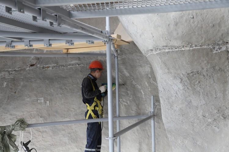 """Реставраторы работают в две смены, чтобы уложиться в срок. Фото: Музей-заповедник """"Сталинградская битва"""""""
