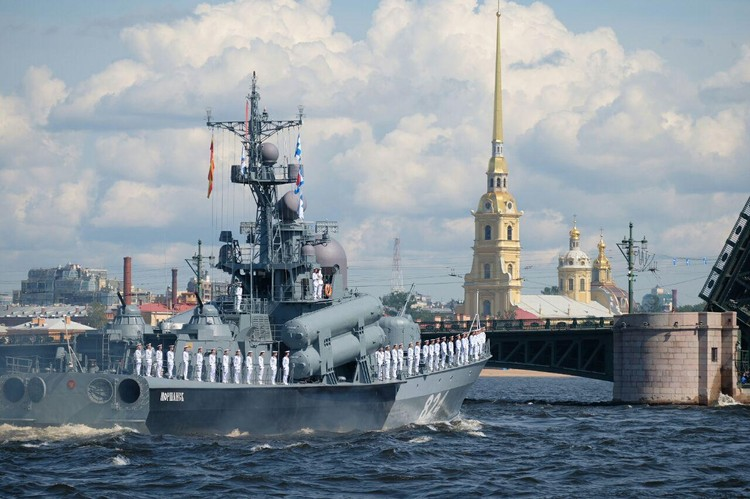 Тысячи моряков примут участие в параде