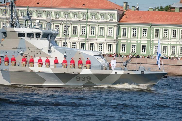 В День ВМФ по Неве пройдут десятки боевых кораблей