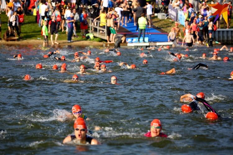 В плавании было две дистанции 950 метров и 475 метров