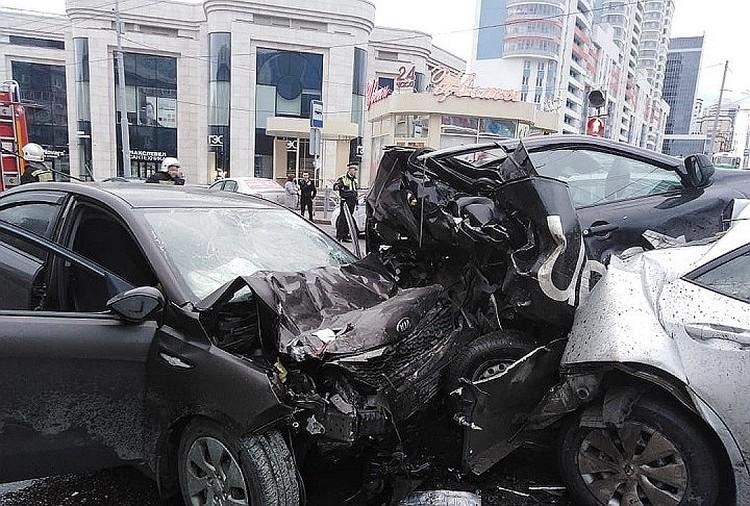 Авария на Малыше произошла утром 4 августа. Фото: пресс-служба ГУ МЧС по Свердловской области
