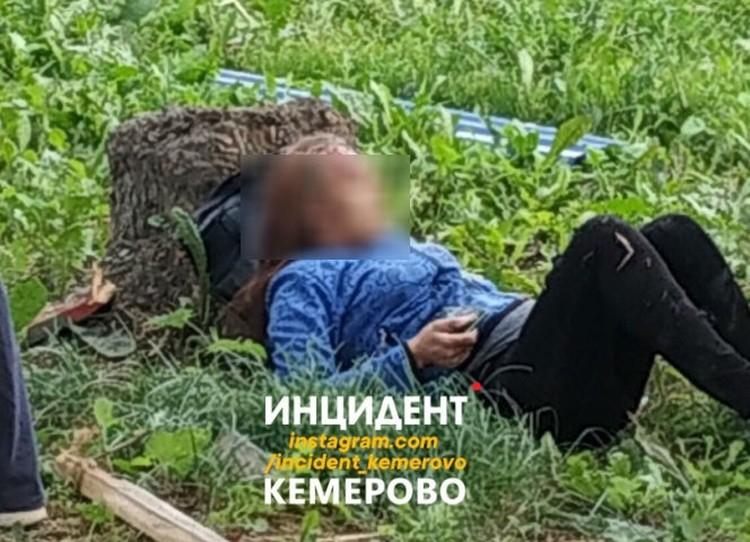 """В этот момент на остановке находилась 36-летняя беременная женщина Фото: """"Инцидент Кемерово"""" / """"ВКонтакте"""""""