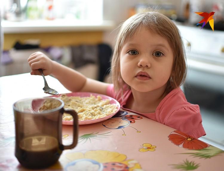 Из полезного в домашней российской кухне я бы отметила обязательный полноценный завтрак - яичница, сырники, творог, каши