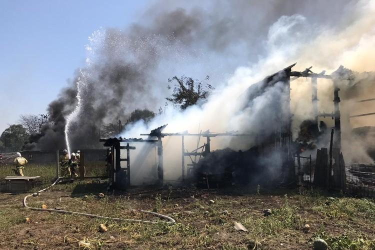 Последствия взрыва на АЗС в Сунженском районе. Фото: ГУ МЧС по Чеченской Республике