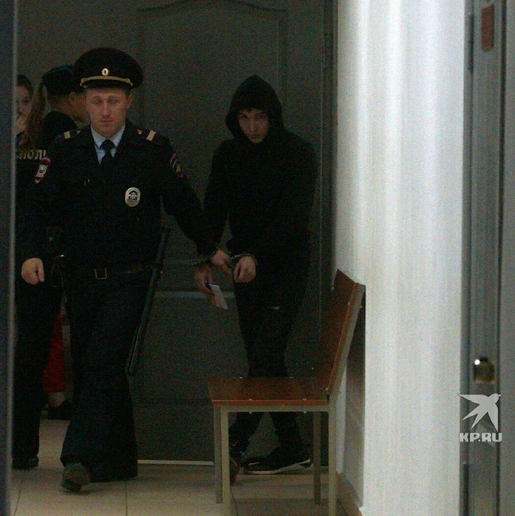 Суд принял решение арестовать мужчину до 19 октября