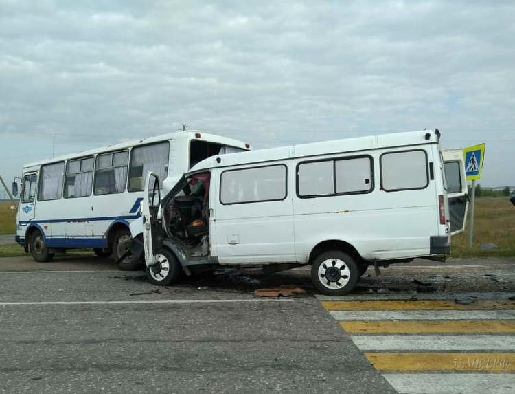 """В автобусе и """"Газели"""" находились 15 пассажиров"""