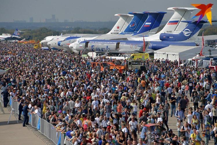Только в субботу МАКС посетили 203 тысячи человек - это абсолютный рекорд для салона
