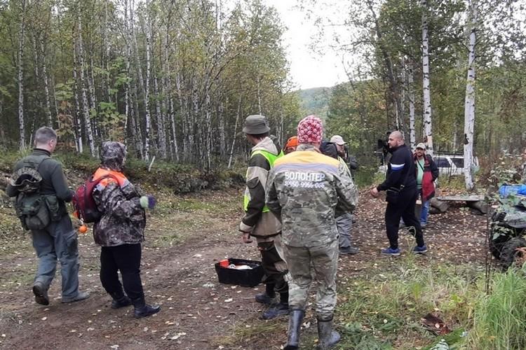 """Поиски ведут полиция, спасатели, волонтеры. Фото: """"Поиск пропавших детей - Красноярск"""""""