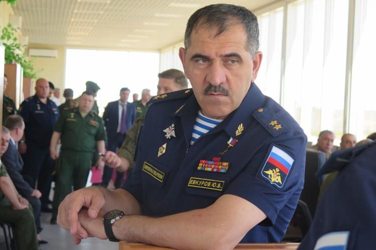 генерал-лейтенант Юнус-Бек Евкуров. Фото: пресс-служба МО РФ
