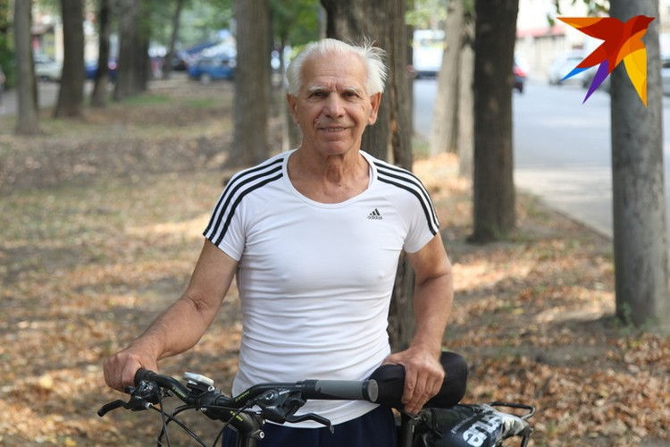 Бодрости Владимира Кротова могут позавидовать куда более молодые.