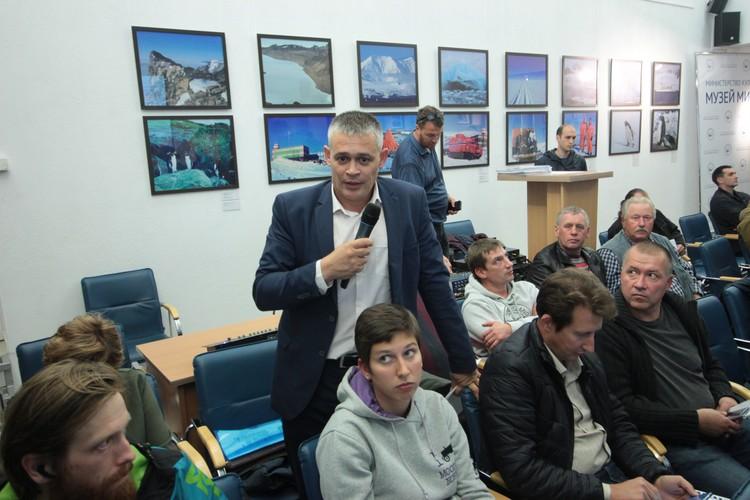 Представитель Калининградской железной дороги Александр Скрипников сообщил, что старый мост сильно изношен.