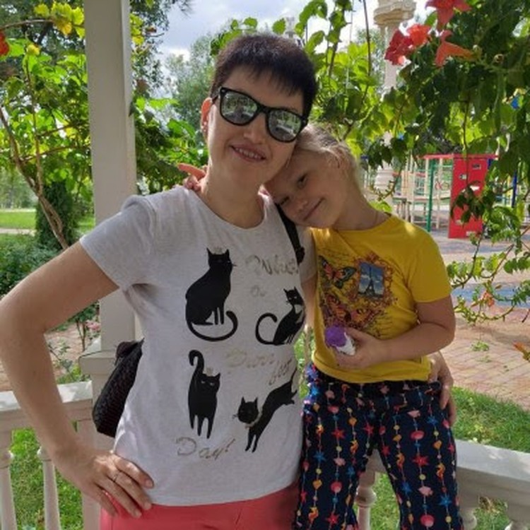 Олеся Абдуллина с дочкой Соней. Фото: Фонд борьбы с лейкемией.