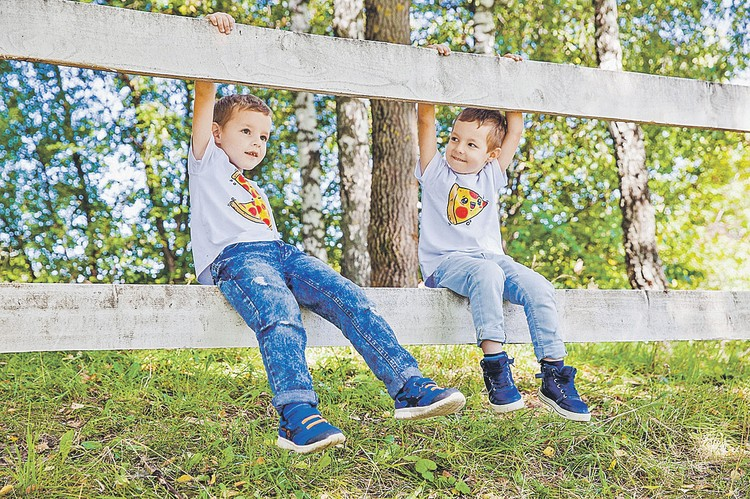 Рита - мама двоих сыновей. Диме - шесть лет, Даниле - пять. Фото: vk.com