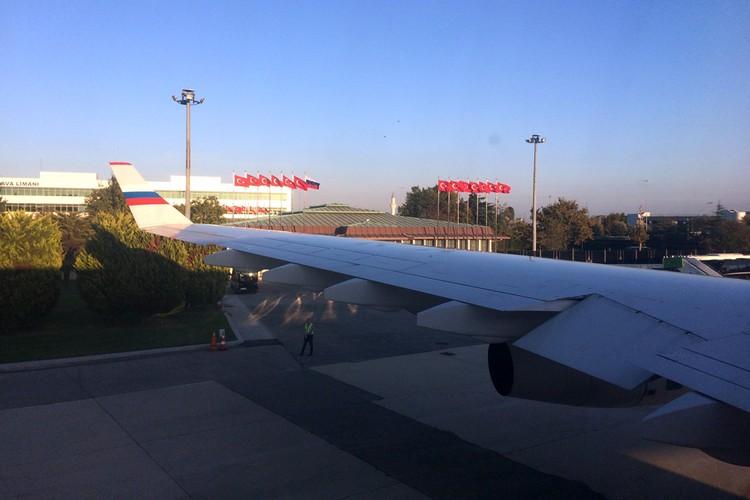На 1 российских флаг в аэропорту прибытия было 13 турецких