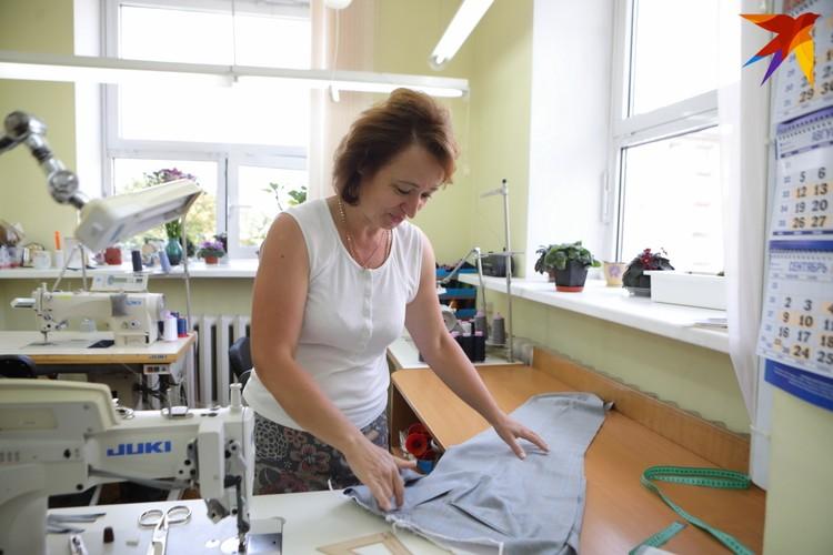Татьяна говорит, что шить костюмы президенту не волнительно – руки дрожали только в первый раз
