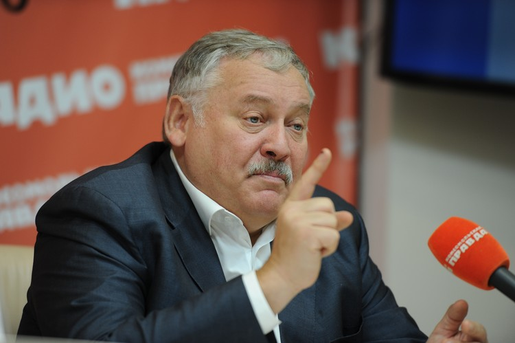 Константин Затулин: «Не надо думать, что соотечественники возвращаются в Россию за пенсиями. Пенсионеров среди них всего 6%. Остальные - трудоспособные люди и дети. Это будущее страны».