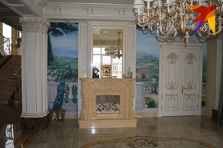 Так Васильевы и не смогли объяснить, на какие деньги отгрохали дворец