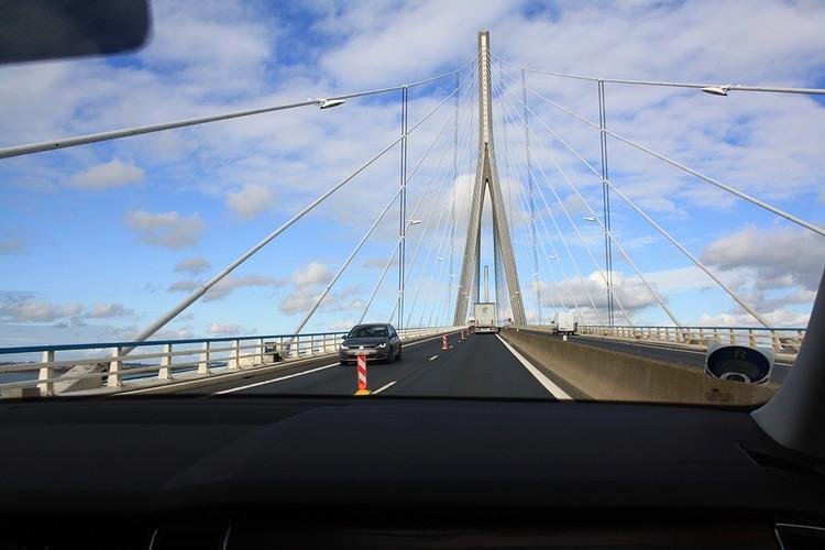 Мост через Сену строили в течение семи лет